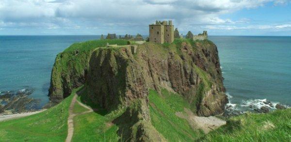 Топ-25 изумительных сказочных замков и крепостей Европы