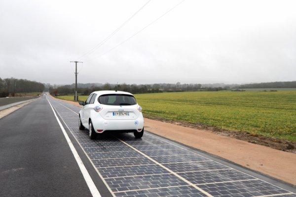 Первая французская дорога из солнечных батарей