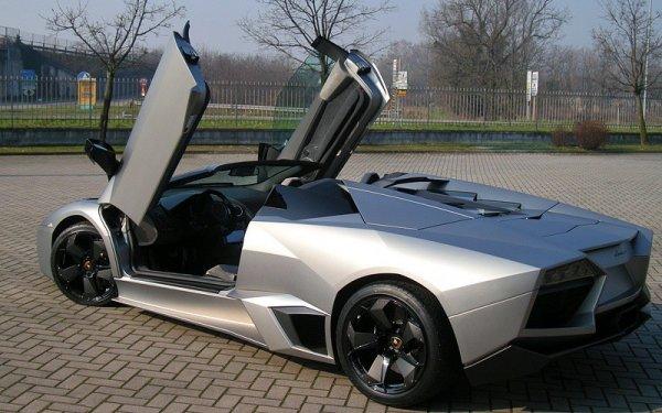 На торги выставят необычный суперкар Lamborghini Reventon